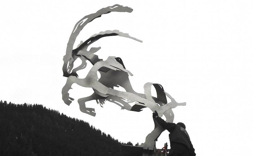"""Steinbocl"", Edelstahl, geschnitten, 290 x 300 x 120 cm, 2013"