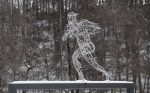 """Sprinter"", stainless steel wire, 170 x 100 x 120 cm, Museum Barendorf Iserlohn, 2012"